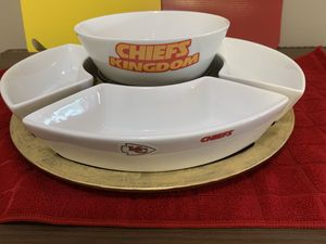 Chiefs snack serving set for game day entertaining! for Sale in Lee's Summit, MO