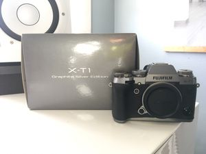 Fujifilm XT-1 Graphite Silver Edition Mirrorless Digital Camera Body Only (Weather Resistant) for Sale in San Diego, CA