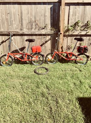 2 VINTAGE DAHON FOLDING BIKES fold and carry anywhere for Sale in Chicago, IL