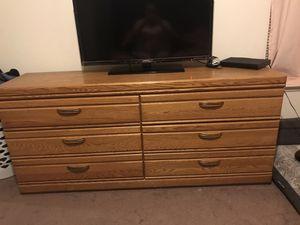 Dresser good condition for Sale in Visalia, CA