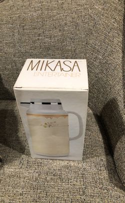The Entrainer Mikasa Coffee Or Tea Thermal Carafe. Please see all the pictures and read the description for Sale in Alexandria,  VA