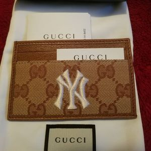 100% authentic Gucci New York Yankees wallet for Sale in Phoenix, AZ