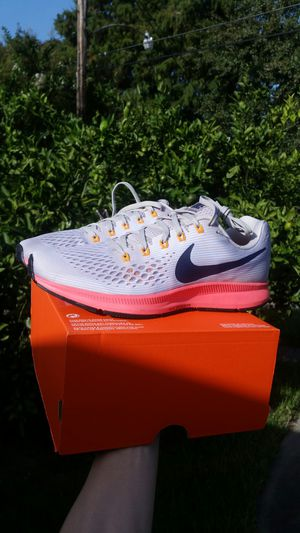 New Nike Air Zoom Pegasus 34 men size 9.5 running shoes for Sale in Metairie, LA