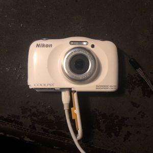 Camera Nikon Coolpix for Sale in Los Angeles, CA