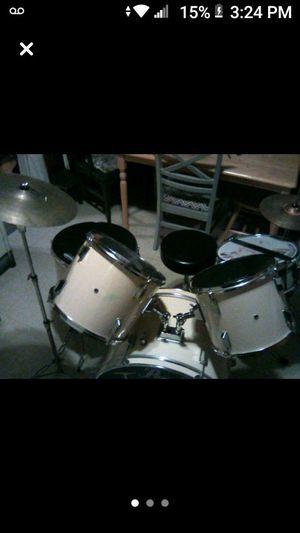 5 piece Pearl drum set for Sale in Alton, IL