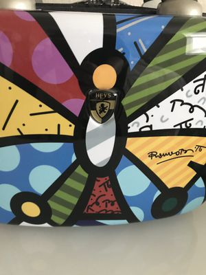 NEW Romero Britto makeup bag Limited Edition! - hard case for Sale in Ashburn, VA