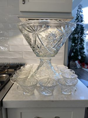 Antique 50s punch bowl with glasses for Sale in Rowland Heights, CA