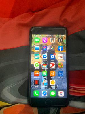 iPhone 8 Plus for Sale in Lauderhill, FL
