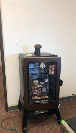 Pit boss smoker 9 TP for Sale in Los Angeles, CA