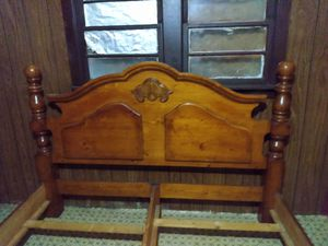 Paul Bunyan King size bed for Sale in Central, LA