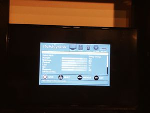 42in Insignia LED LCD HDTV (1080p) $175 for Sale in St. Louis, MO