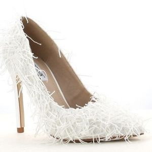 White fringe heel - multiple sizes available for Sale in Florissant, MO