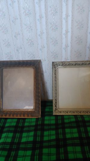 2 Metal picture frames for Sale in Nipomo, CA