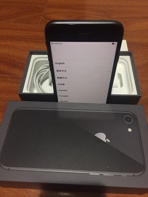 Factory unlocked iPhone 8 256gb- Space Gray for Sale in Tacoma, WA