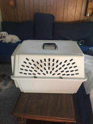 Medium dog crate for Sale in Cleveland, OH