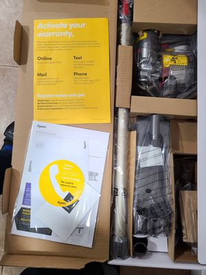 Dyson V8 Animal Cordless Vacuum for Sale in Worcester, MA