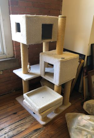 Cat house for Sale in Cleveland, OH