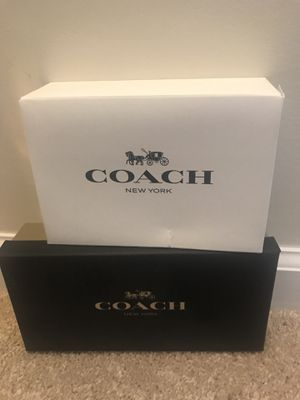 Coach wallet and wristlet for Sale in Baltimore, MD
