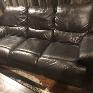 Black Leather Recliner Couch for Sale in Portland, OR