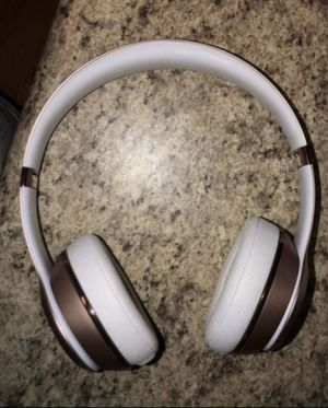 Beats Solo 3 Wireless with Case for Sale in Seattle, WA
