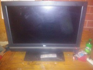 LG tv with remote for Sale in Portland, OR