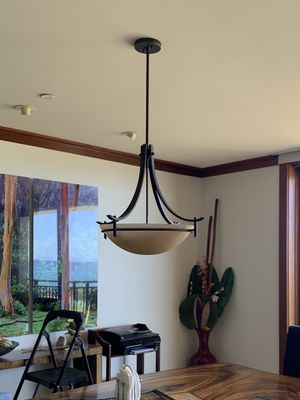 Dining room light fixture / chandelier for Sale in Kapolei, HI