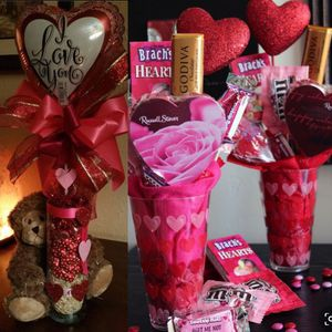 Valentine's Day vases !!! Taking preorder now ! Prices vary ! for Sale in Cleveland, OH