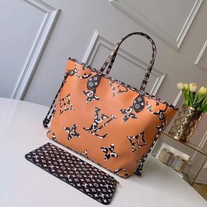 Beautiful Neverfull bag for Sale in Saint Joseph, MO