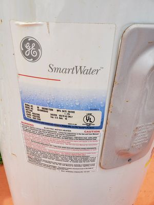 Water heater 40 gal calentador de agua for Sale in Princeton, FL