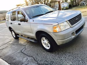02 FORD EXPLORER 4WD SUV XLS / Fits 6 people / Huge Trunk/ New tires for Sale in Bethesda, MD