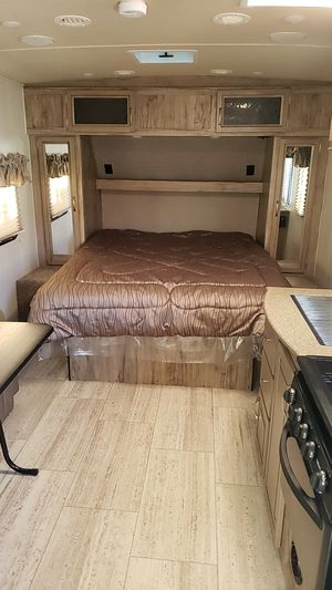 2019 Palomino SolAire Ultra Lite 205SS for Sale in Colorado Springs, CO