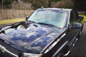 2003 Chevrolet Chevy Silverado 1500 LTZ LIFTED 4x4s for Sale in Grand Rapids, MI
