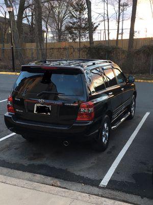 Toyota Highlander 2005 114 miles no mechanical problem all work good for Sale in Arlington, VA