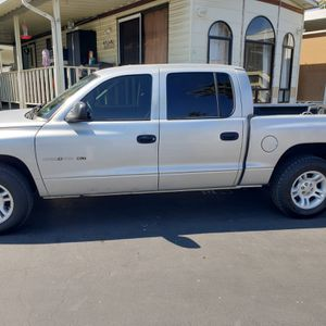 Dodge dakota slt 4.7 magnum motor truck for Sale in Hemet, CA