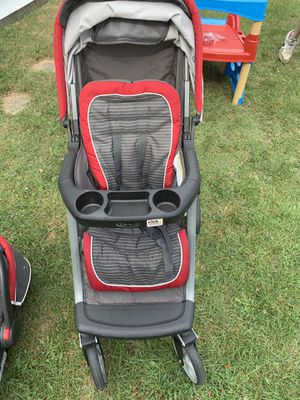 Graco click connect car seat and stroller for Sale in Bloomington, IL