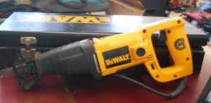 DEWALT DW304 SAWZALL RECIPROCATING SAW for Sale in Columbus, OH