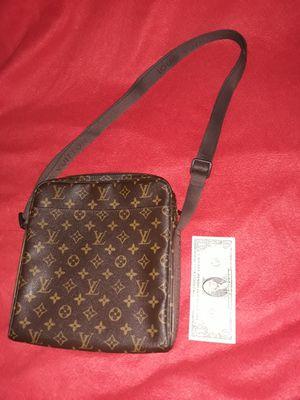 Louis Vuitton Trotteur Beaubourg Messenger Bag (Authentic) for Sale in Southington, CT