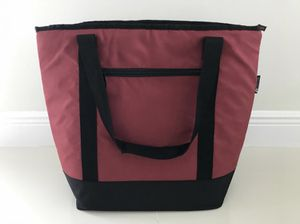 "Thermal tote bag 19""x18"" soft cooler Ozarktrail for Sale in Miami, FL"