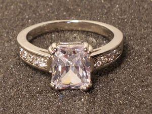 🎄💍 14K WHITE GOLD WHITE TOPAZ DIAMOND RING SIZE 10 for Sale in Las Vegas, NV
