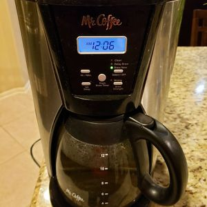 (Cash Or Zelle) Mr. Coffee 12-Cup Programmable Coffee Maker for Sale in Richmond, TX