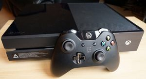 Xbox one + one Kinect + media remote for Sale in Los Angeles, CA