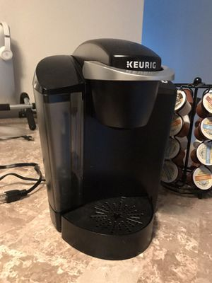 Keurig with coffee for Sale in Palm Harbor, FL