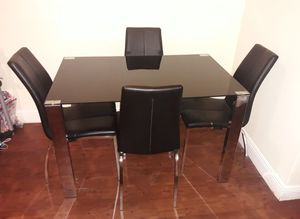 5pcs dining table set for Sale in Miami, FL