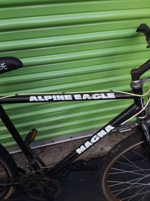 10 speed Magna Alpine Eagle mountain bike $ 55