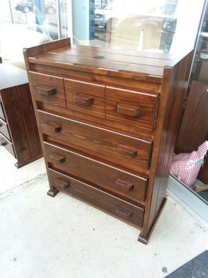 Solid wood dresser NO IKEA JUNK!😉 credit cards accepted! Have matching desk available 😲 for Sale in Joliet, IL