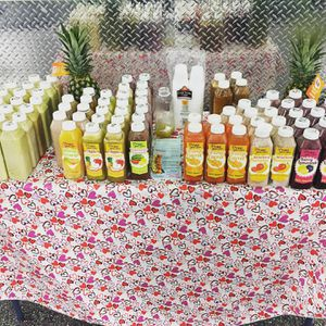 16 oz fresh real juice made as u order all fruit juices for Sale in Philadelphia, PA