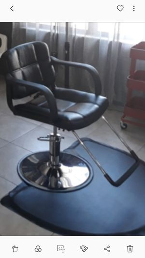 Chair salon for Sale in TWN N CNTRY, FL