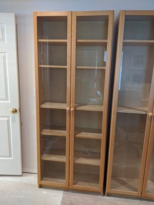 Book shelf / cabinet for Sale in Maple Valley, WA