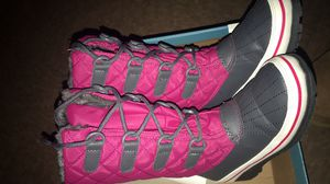 Size 13 girls snow boots new for Sale in Dinuba, CA