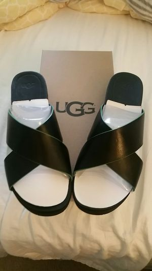 Leather Ugg sandals size 11 for Sale in Odenton, MD